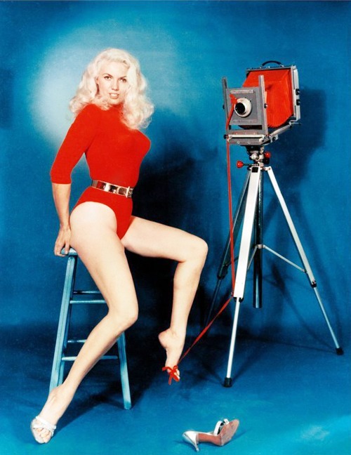 Bunny Yeager with Her Cameras (4)