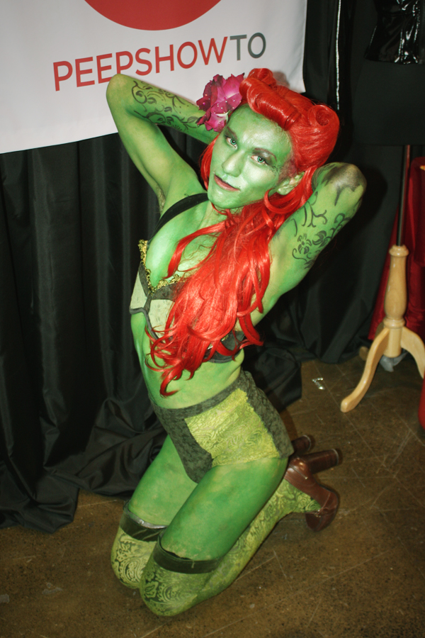 poison ivy classically curvy rh classicallycurvy com Poison Ivy Drawing Poison Ivy Drawing