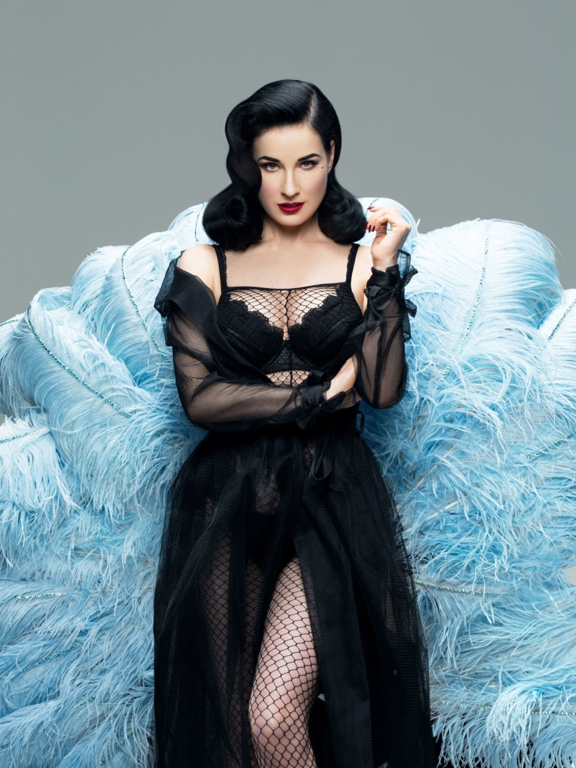 FHM-China-2013-Black-Valvet---Dita-von-Teese-2_1260.jpg