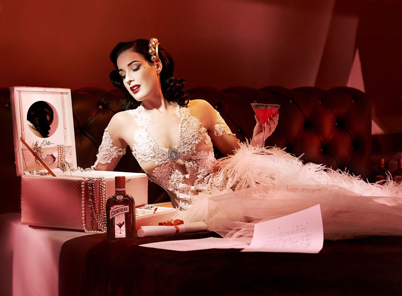 My-Private-Cointreau-Coffret-by-Dita-Von-Teese-4