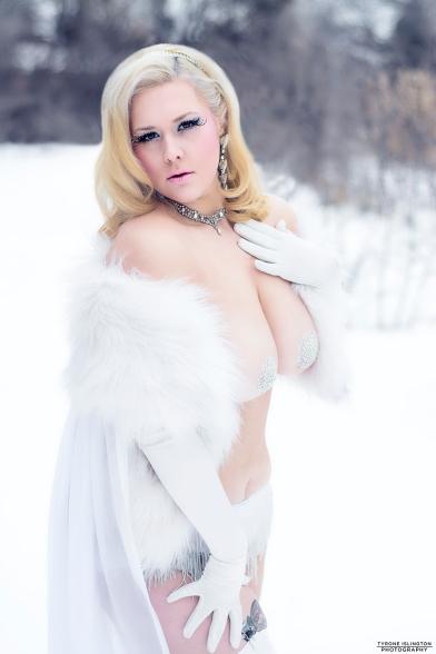 Dolly Monroe